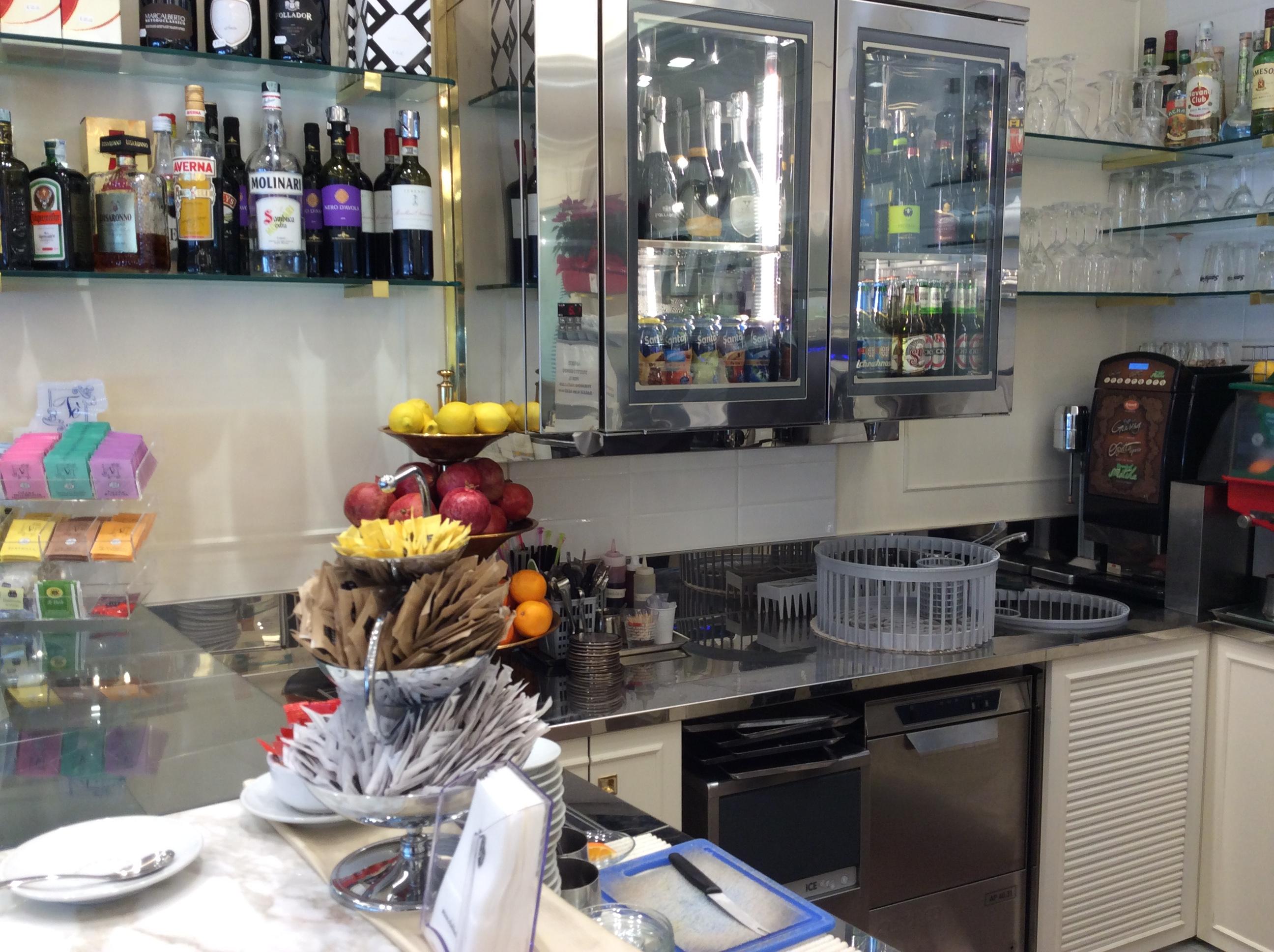 Molinari arredamenti foto with molinari arredamenti for Subito it genova arredamento